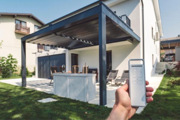 Maison avec pergola bioclimatique