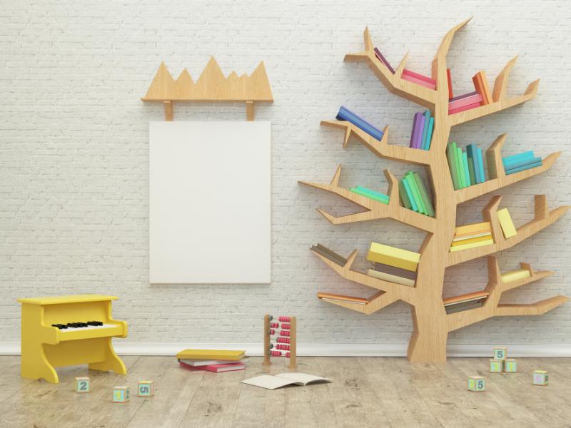 Salle de jeu avec un arbre en bibliothèque
